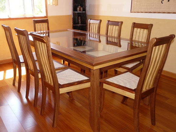 Dining Table Assembly
